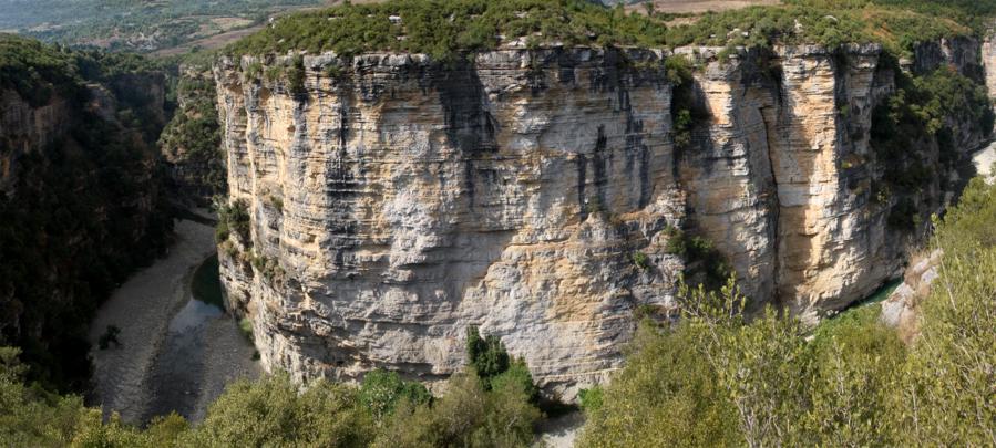 Albanien