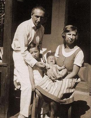 Lore-Reich-chaotische-Welt-Familie-Reich-